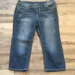 Maurices Capri Pants jeans. Size 15/16